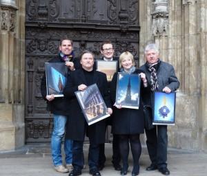 Foto von links nach rechts: Henning Krone (Citymanager), Peter Reiser (Fotograf), Ingo Bergmann (Stadt Ulm), Tabea Frey (Münsterpfarrerin), Ulrich Zipperlen (Druck + Medien Zipperlen)