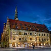Ulmer Rathaus zur blauen Stunde - Sonderformat 1:1