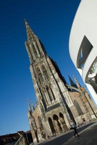 Ulmer Münster im Sommer - Hochformat