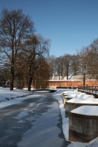 Glacis Neu-Ulm im Winter - Hochformat