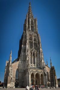 Ulmer Münster Gesamtansicht - Hochformat